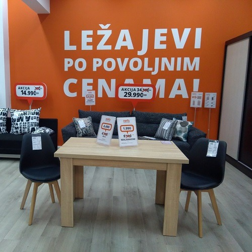 Trpezarijske stolice i sto u Nefi